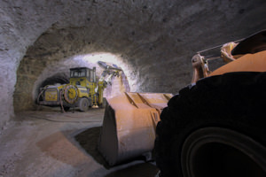 application-areas-underground-loaders-and-trucks